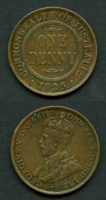 1925 Penny with Broken leg of second N variety VF. 6 pearls and part centre diamond.