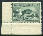 1932 5/- Green Sydney Harbour Bridge MLH and well centered lower left corner copy. Rough perfs at right.